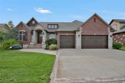 Wichita Single Family Home For Sale: 4609 W Emerald Bay St