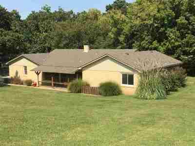Arkansas City KS Single Family Home For Sale: $215,000