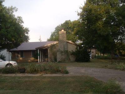 Atlanta Single Family Home For Sale: 203 Main