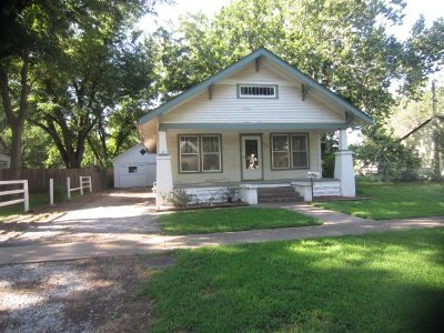 Mulvane Single Family Home For Sale: 409 E Emery St.