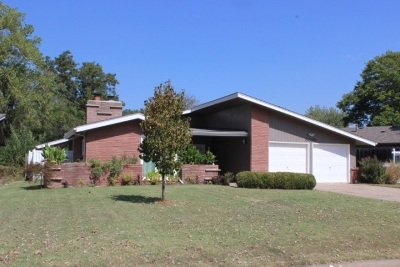Single Family Home For Sale: 5620 E Perryton