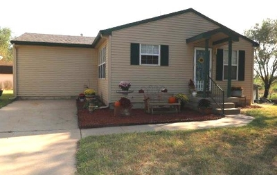 Mulvane Single Family Home For Sale: 205 E Pearl