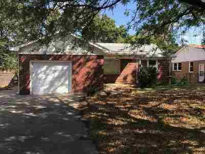Haysville Single Family Home For Sale: 228 Anita Drive