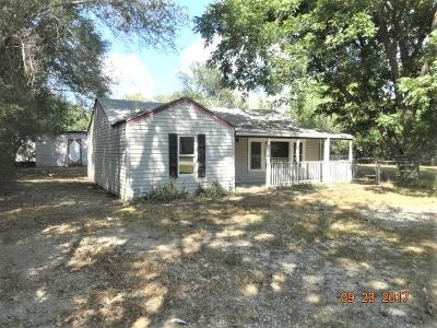 Haysville Single Family Home For Sale: 218 E Kirby St