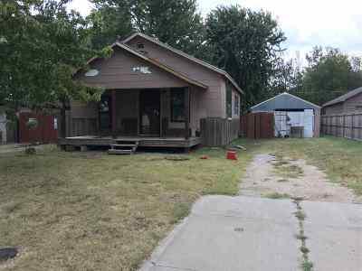 Wichita Single Family Home For Sale: 342 S Illinois St
