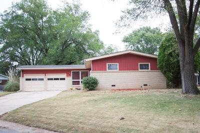 Wichita Single Family Home For Sale: 400 N Putter