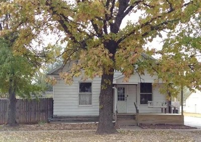 Oxford Single Family Home For Sale: 113 S Kansas Ave