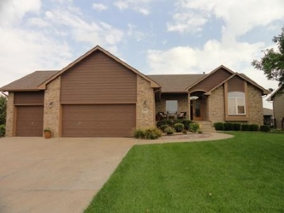 Wichita Single Family Home For Sale: 8901 W Silver Hollow Ct.