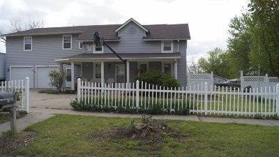 Winfield KS Single Family Home For Sale: $215,000