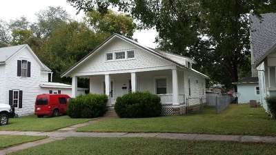 Winfield KS Single Family Home For Sale: $42,500