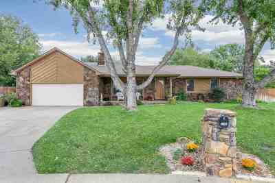 Derby Single Family Home For Sale: 1100 S Woodlawn Heights Ct