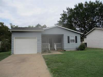 Wellington Single Family Home For Sale: 807 E 8th St.