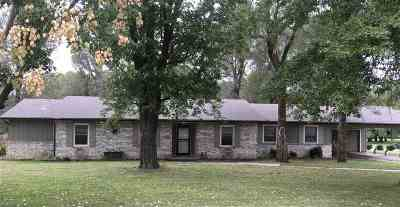 Arkansas City Single Family Home For Sale: 605 Forewood Rd