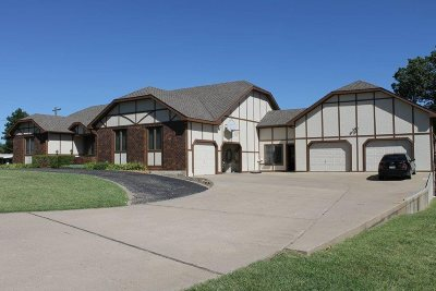 Winfield Single Family Home For Sale: 302 Cedar Lane Dr