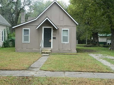 Winfield KS Single Family Home For Sale: $29,500