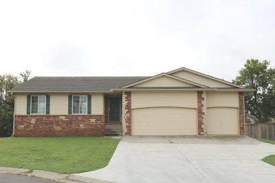 Mulvane Single Family Home For Sale: 2003 N Whitetail Ct