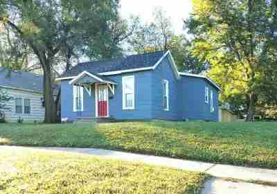 Newton Single Family Home For Sale: 225 W 12th