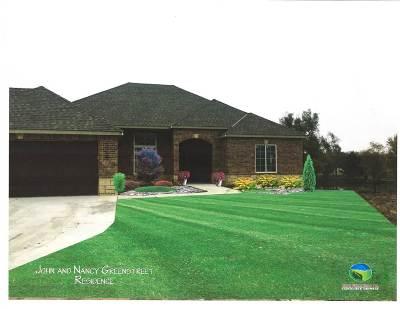 Wichita Single Family Home For Sale: 384 N Jackson Heights