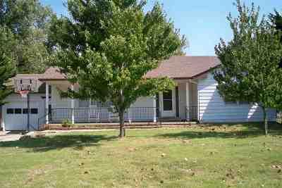 Newton Single Family Home For Sale: 1110 Harrison St