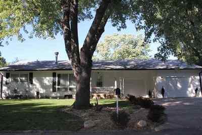 Newton Single Family Home For Sale: 2011 Ida Ln