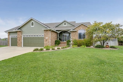 Wichita Single Family Home For Sale: 518 S Fawnwood Ct