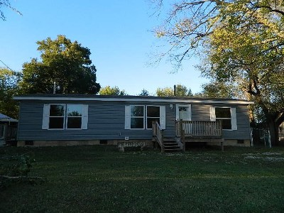 Winfield KS Single Family Home For Sale: $64,900