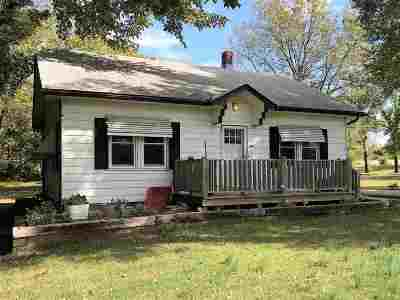 Arkansas City Single Family Home For Sale: 31780 61st Rd