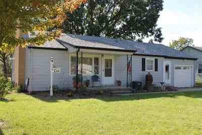Newton Single Family Home For Sale: 1709 E 8th St