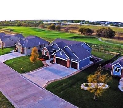 Newton Single Family Home For Sale: 618 Bobtail