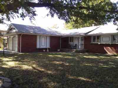 Wichita Single Family Home For Sale: 6706 E Zimmerly St