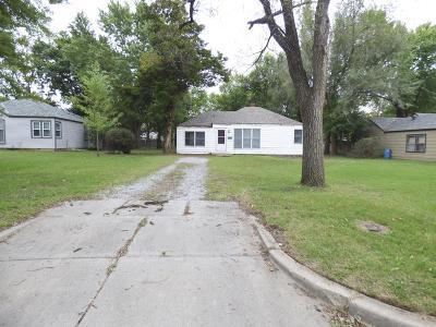Wichita Single Family Home For Sale: 4321 E Clark St