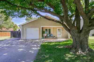 Wichita Single Family Home For Sale: 2122 S Fieldcrest Ct