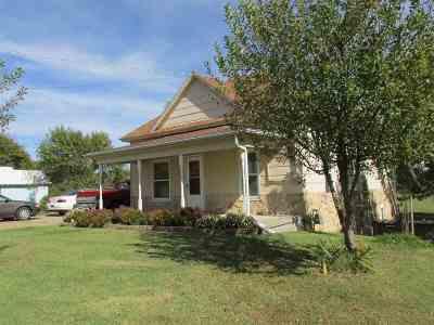 Arkansas City KS Single Family Home For Sale: $91,900