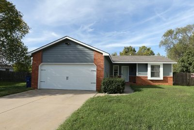 Wichita Single Family Home For Sale: 2015 N Parkridge Ct