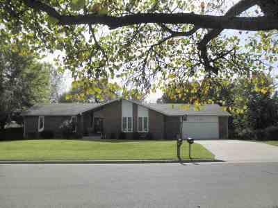 Winfield KS Single Family Home For Sale: $191,500