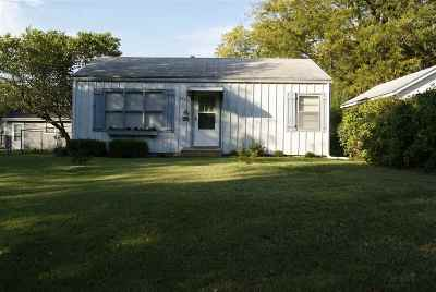 Newton Single Family Home For Sale: 920 SE 2nd St