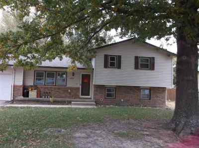Rose Hill Single Family Home For Sale: 1622 N Main