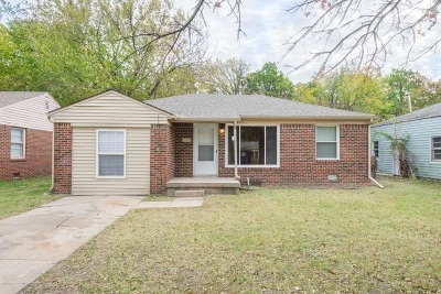 Single Family Home For Sale: 1752 N Old Manor Rd