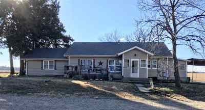 Arkansas City KS Single Family Home For Sale: $207,500