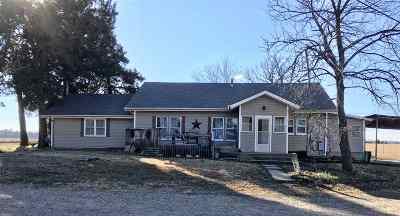 Arkansas City Single Family Home For Sale: 32099 51st Rd