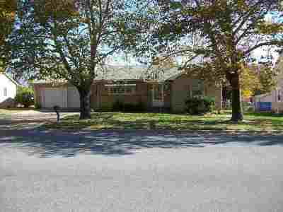 Arkansas City KS Single Family Home For Sale: $72,500