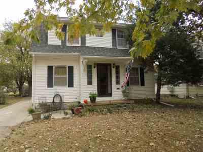 Wellington Single Family Home For Sale: 1015 N Washington Ave