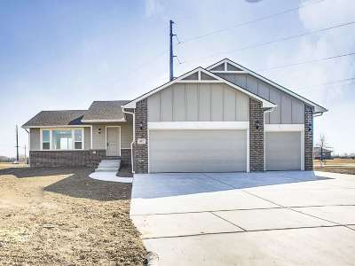 Haysville Single Family Home For Sale: 832 Saddle Brooke Ct.