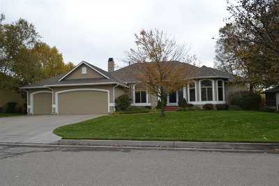 Wichita Single Family Home For Sale: 8120 W Meadow Pass