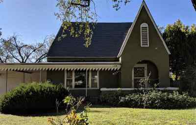 Wellington Single Family Home For Sale: 1120 N Jefferson Ave