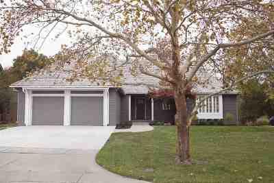 Wichita Single Family Home For Sale: 2560 N Greenleaf Ct
