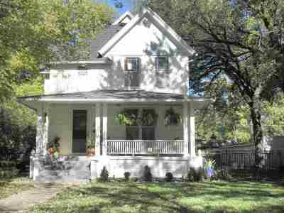 Winfield KS Single Family Home For Sale: $182,500