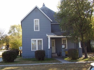 Newton Single Family Home For Sale: 301 SW 3rd