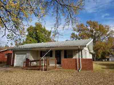 Belle Plaine Single Family Home For Sale: 912 N Elm St