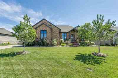 Wichita Single Family Home For Sale: 108 N Fawnwood